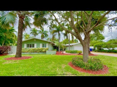 BEAUTIFUL HOUSE FOR SALE NEAR BEACH, FLORIDA